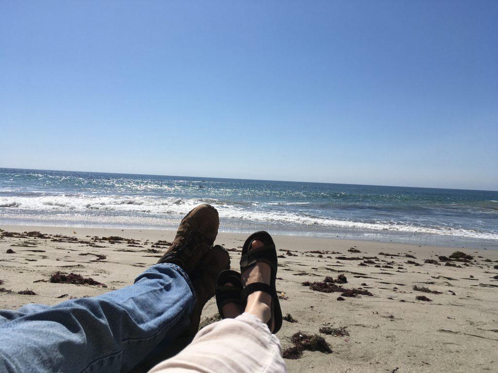 pacific-ocean-happy-people-feet